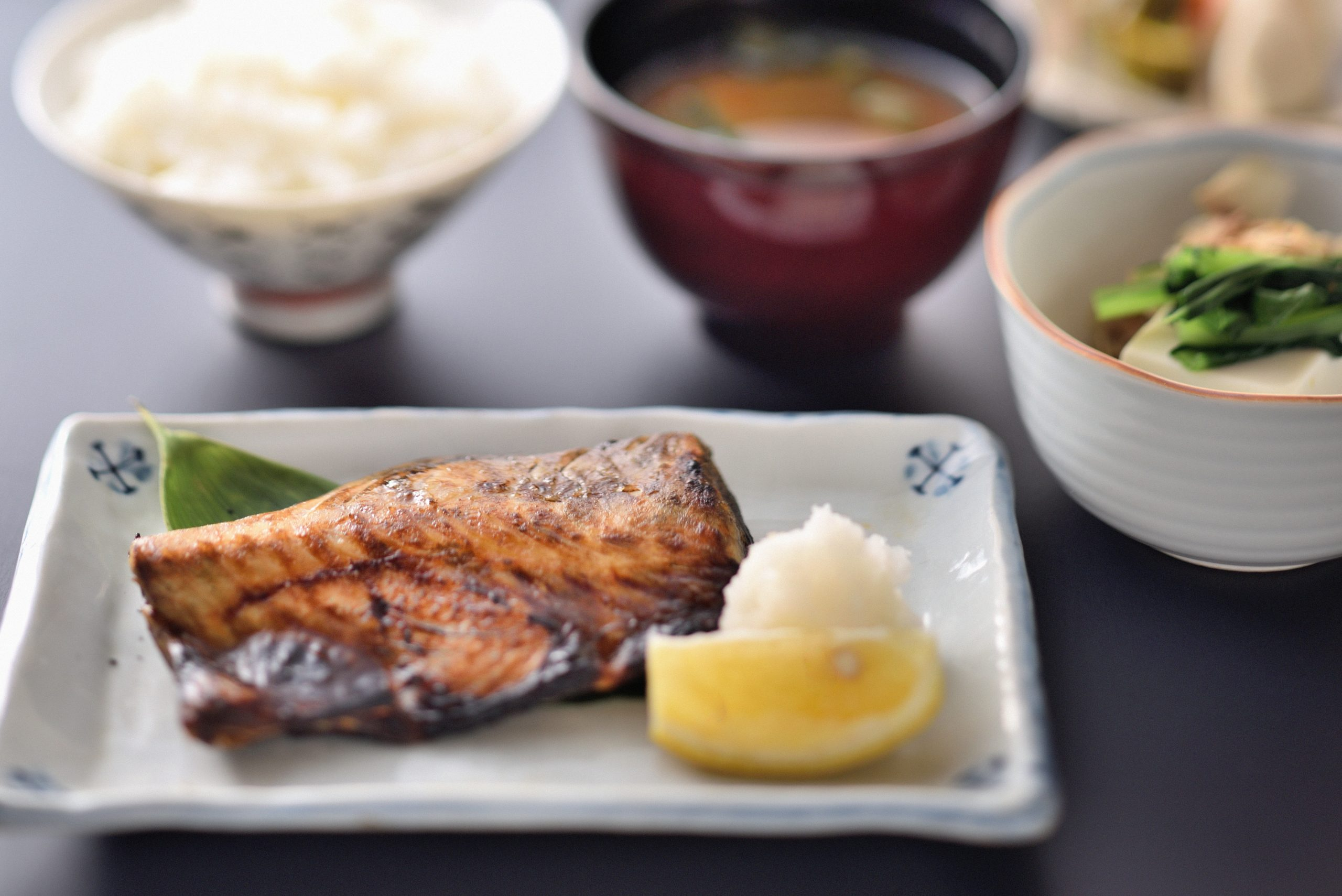 銚⼦尾重の塩さば⼲物定食ー和食竹田
